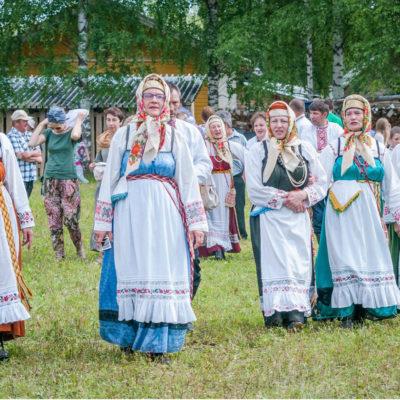 Тарногские-певицы. Фото А. Джус