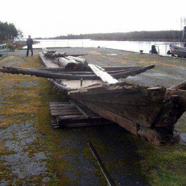 В Вытегре решили судьбу деревянного судна, которое пролежало на дне Онежского озера 300 лет и было выброшено на берег в сентябре 2018 года.
