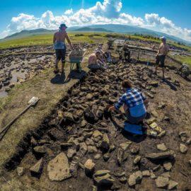 РГО объявило о старте конкурса на участие в международной Комплексной археолого-географической экспедиции по изучению кургана Туннуг в Республике Тыва.