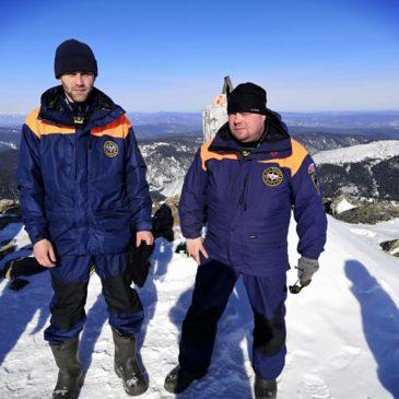 """Спасатели Арктического спасательного центра """"Вытегра"""" повышают свою квалификацию на Байкале."""