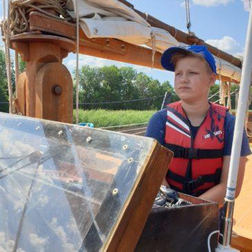 """В первый день экспедиции шхуна """"Онежская жемчужина"""" преодолела 35 километров по Онежскому озеру"""